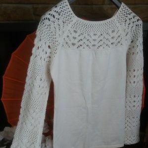 Patty Boutik. White blouse Size L.